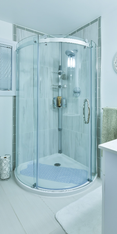 Circular shower with glass doors